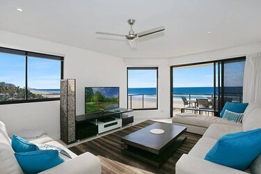 Absolute Beachfront 3 Bedroo